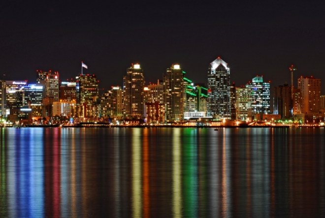 San Diego reflectie skyline in water